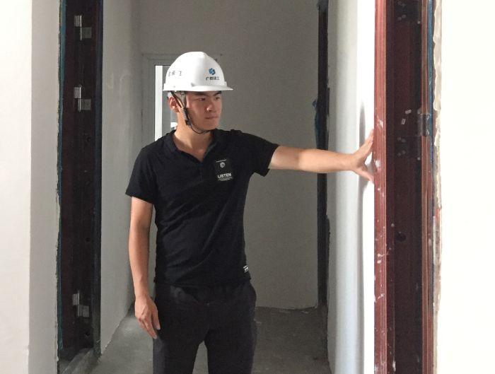 2在项目现场对楼层施工情况进行检查1.jpg